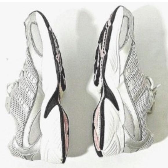 le adidas donne scarpe taglia 8 argento con rosa poshmark